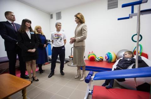 Марина Порошенко презентувала перший на Івано-Франківщині мобільний Інклюзивно-ресурсний центр для дітей з особливими освітніми потребами