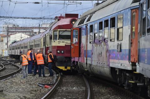 У Чехії в результаті зіткнення потягів постраждали 22 людей