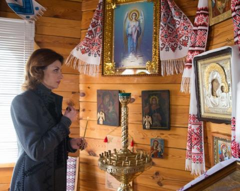 Марина Порошенко вшанувала пам'ять Тараса Шевченка в рідному селі поета на Черкащині