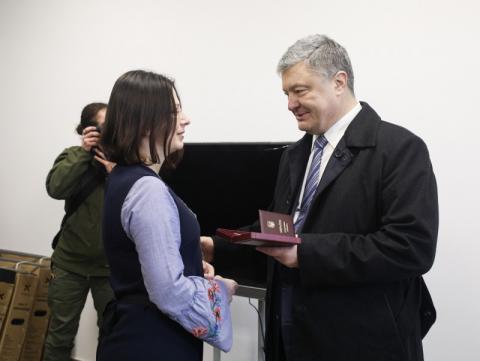 Бажаю, щоб тут панувало щастя і гордість за Україну – Президент оглянув приміщення нового гуртожитку для контрактників 95-ї бригади