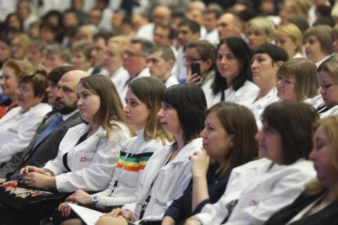 Близько 25 мільйонів громадян вже обрали нову модель співпраці з лікарями і їхня робота оплачується за новою системою – Президент
