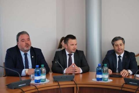 У Комітеті з питань сім'ї, молодіжної політики, спорту та туризму відбулася зустріч першого заступника Голови Комітету Миколи Величковича з делегацією Республіки Албанія