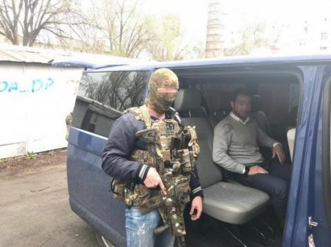 """За торгівлю з окупантами і """"податки"""" в ОРДЛО затримали 6 українців"""