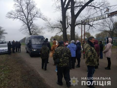 На Київщині рейдери захоплюють аграрний кооператив – поліція