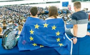 Ірландія і Чехія у п'ятницю голосують на виборах до Європарламенту