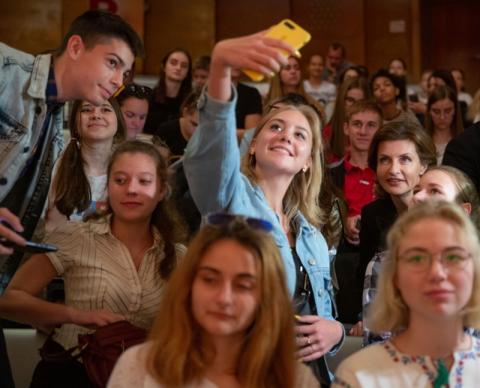 Марина Порошенко відвідала Форум ініціатив молоді «Дитяча Демократія»