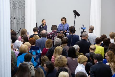 Марина Порошенко відвідала відкриття виставки «українського Пікассо» Олександра Богомазова