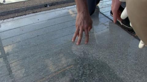 Пошкоджене скло на новому мосту відновлять за добу – Кличко