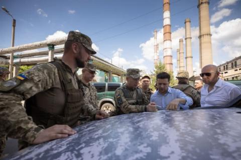 Зеленський вперше відвідав передові позиції ЗСУ на Луганщині