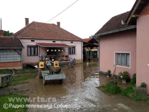 Потужні зливи спричинили повені в центральній Сербії