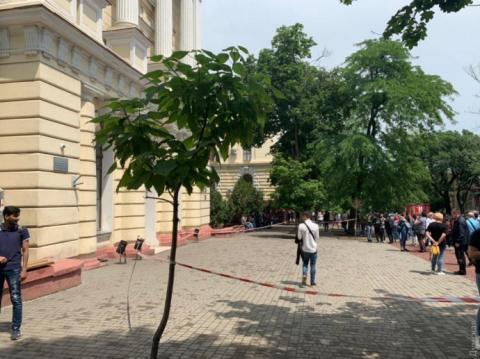 В Одесі не поділили медуніверситет: 28 – постраждалих, 51 – у поліції