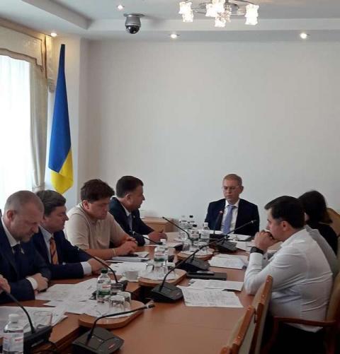 Комітет з питань національної безпеки і оборони розглянув подання Президента України про звільнення Міністра оборони і Голови Служби безпеки України