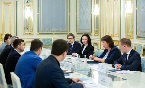 Президент обговорив запуск роботи Вищого антикорупційного суду з його керівництвом та Головою Верховного Суду