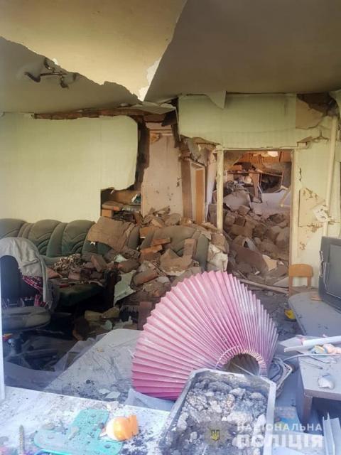 Бойовики гатили з мінометів по Мар'їнці: госпіталізовано велику родину