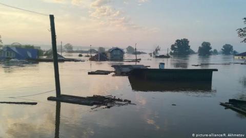 Повінь у Росії: підтоплено понад 4000 будинків, троє загиблих