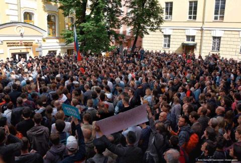 У Москві вимагають допустити до міських виборів незалежних кандидатів
