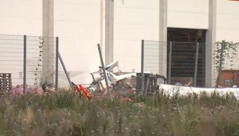 У Німеччині літак упав на гіпермаркет, є загиблі