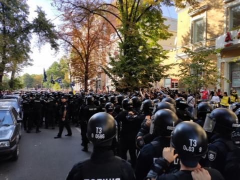 Харків: радикали напали на учасників Маршу рівності й побилися з поліцією