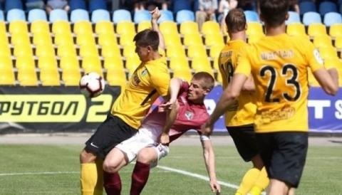 У футбольній Прем'єр-лізі сьогодні відбулися два матчі дев'ятого туру