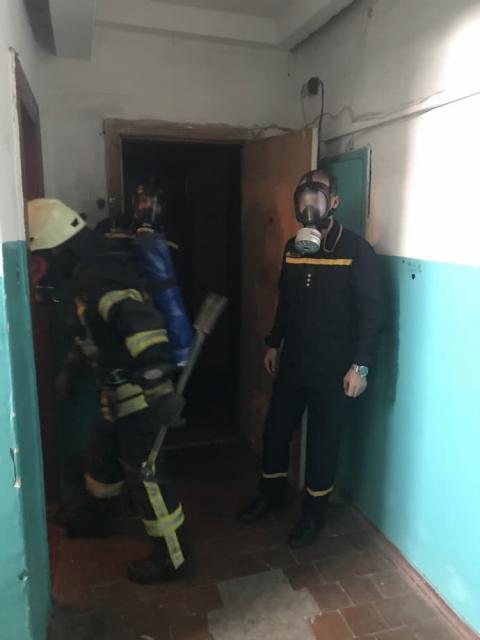 Мешканців багатоповерхівки евакуюють в Черкасах через розпилені хімікати
