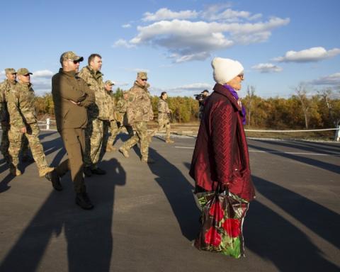 """Розведення військ можливе лише після тижня """"тиші"""" – міністр оборони"""