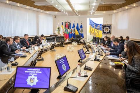 Україна та Франція домовились спільно виробляти патрульні катери