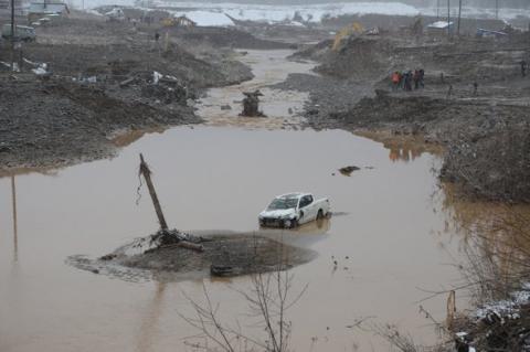 Через прорив дамби в РФ загинули щонайменше 15 осіб