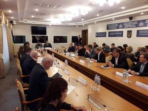 """Відбувся круглий стіл на тему: """"Інституціалізація лобіювання в Україні"""""""