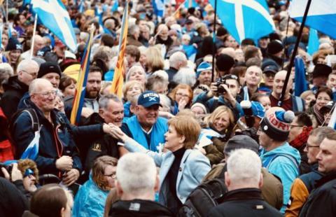 Близько 20 тисяч людей вийшли на марш за незалежність Шотландії