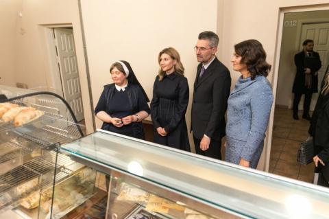Дружина Президента ознайомилася з програмою здорового харчування у литовських школах