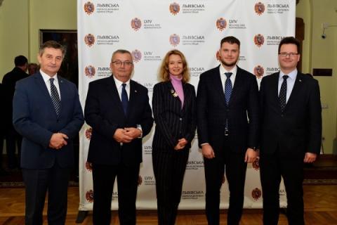 Українські перевізники додатково отримають 5 000 польських дозволів