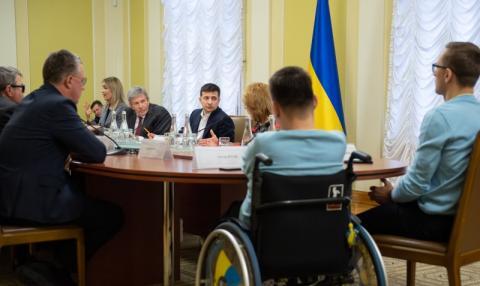 Володимир Зеленський: Всі закони, що ухвалюються, повинні враховувати потреби людей з інвалідністю