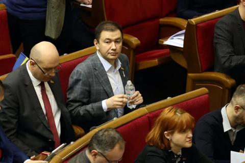 """Тесть Зеленського працює помічником """"слуги народу"""""""