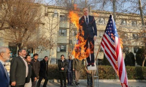 В Ірані британського посла оголосили персоною нон грата