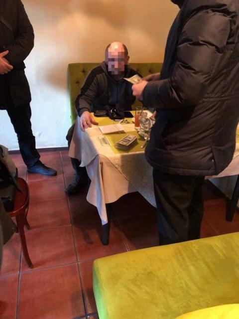 У Києві затримали шахраїв, які обіцяли за гроші влаштувати начальником колонії