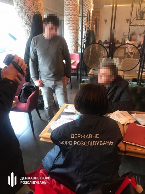 У Києві голову ГО затримали за підбурювання дати $20 тисяч хабаря