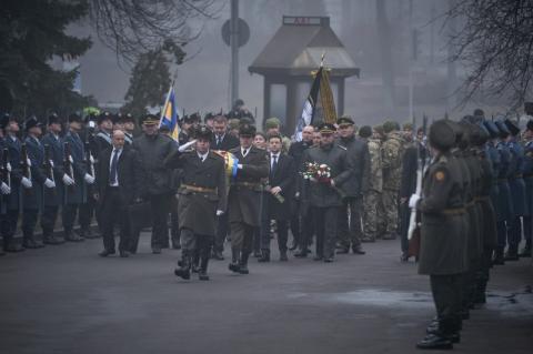 Президент ушанував пам'ять Героїв Крут