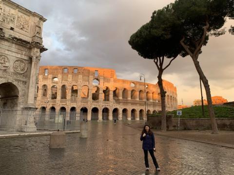 Карантин в Італії: порожні вулиці, відсутність туристів і черги в магазинах