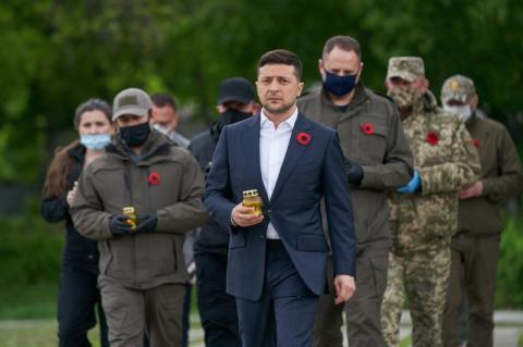 Президент на українсько-російському кордоні вшанував пам'ять загиблих у Другій світовій війні