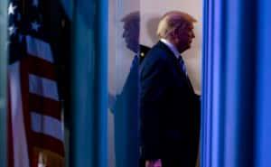 Трамп відстає від Байдена на 10% у передвиборчому рейтингу – опитування