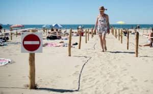 Греція обіцяє відшкодовувати витрати туристам, які захворіють на коронавірус