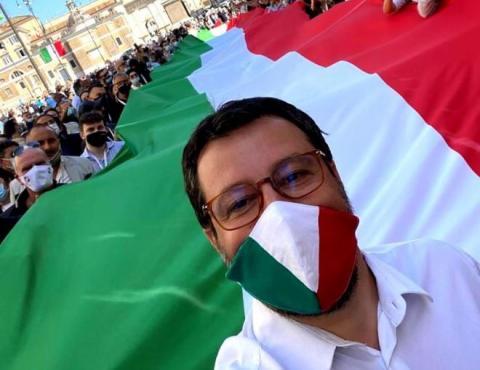 В Італії опозиція проводить антиурядову акцію з порушенням коронавірусних вимог