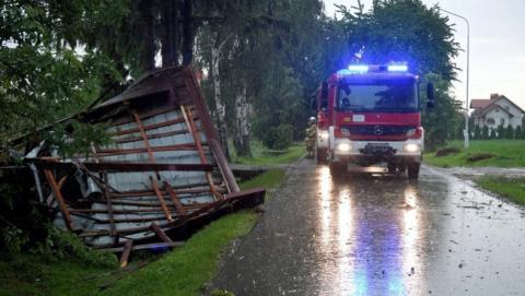 У Польщі потужний буревій потрощив дерева і будинки