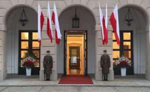 У Польщі прокуратура отримала понад 100 скарг щодо виборів 10 травня, які не відбулися