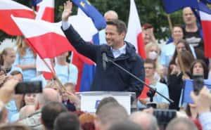 Вибори у Польщі: рейтинги допускають перемогу опозиційного кандидата