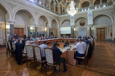 Президент обговорив з підприємцями проблеми бізнесу на Буковині
