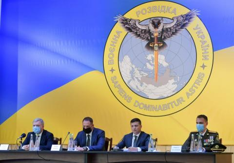 Воєнна розвідка України має посилити стратегічну й оперативну роботу – Глава держави