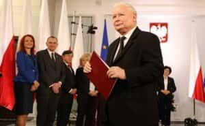 """Політична криза у Польші: у """"ПіС"""" говорять про дострокові вибори"""
