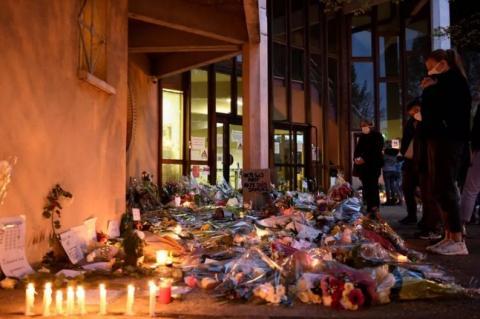 Вбивство вчителя у Франції: правоохоронці затримали 11 підозрюваних
