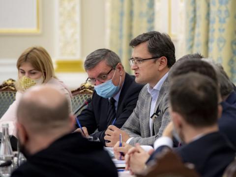 На засіданні РНБО Президент України дав доручення невідкладно зареєструвати у Верховній Раді законопроект, у якому передбачається відновлення доброчесності судочинства у Конституційному Суді